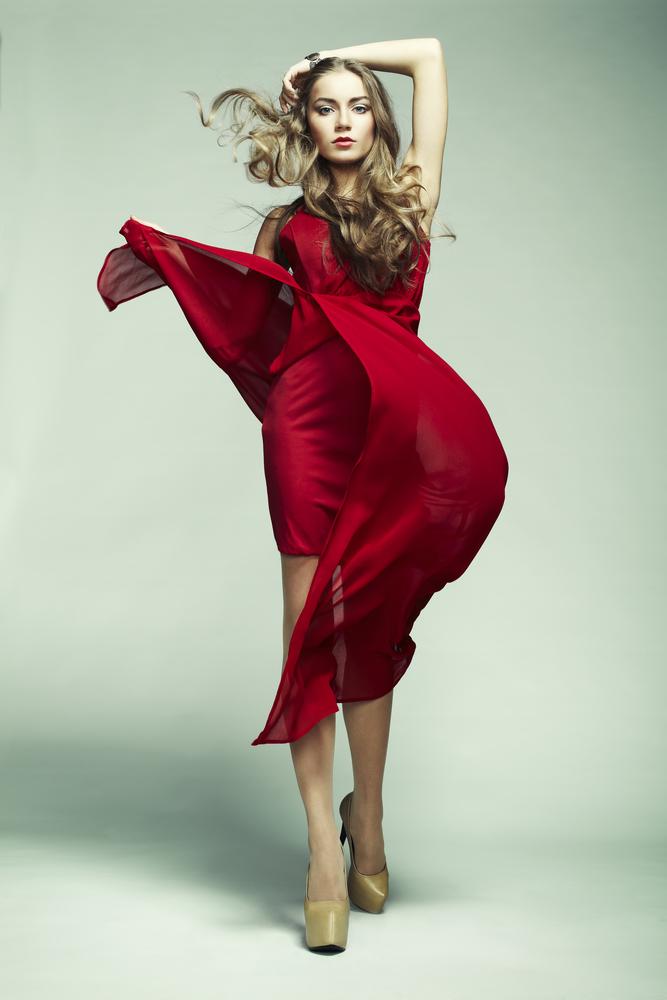 Jak dobrać odpowiedni krój sukienki do sylwetki?